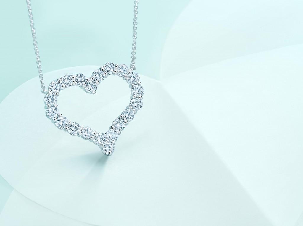 Tiffany_Hearts2_4x3