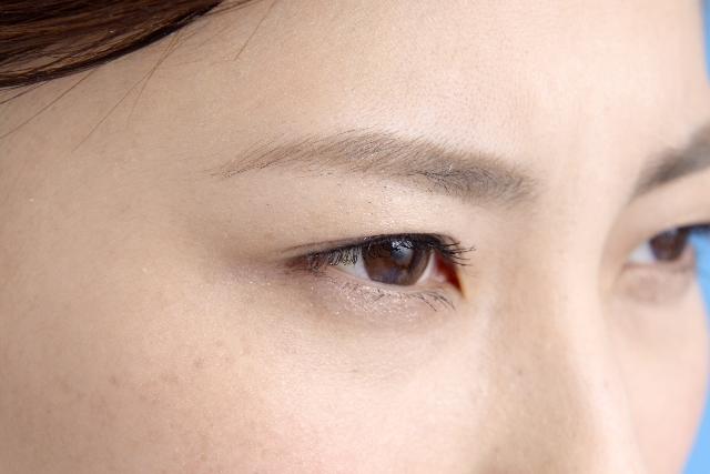 目の下の「くま」がヒドい。原因別の解消法でくまを消す7つの方法